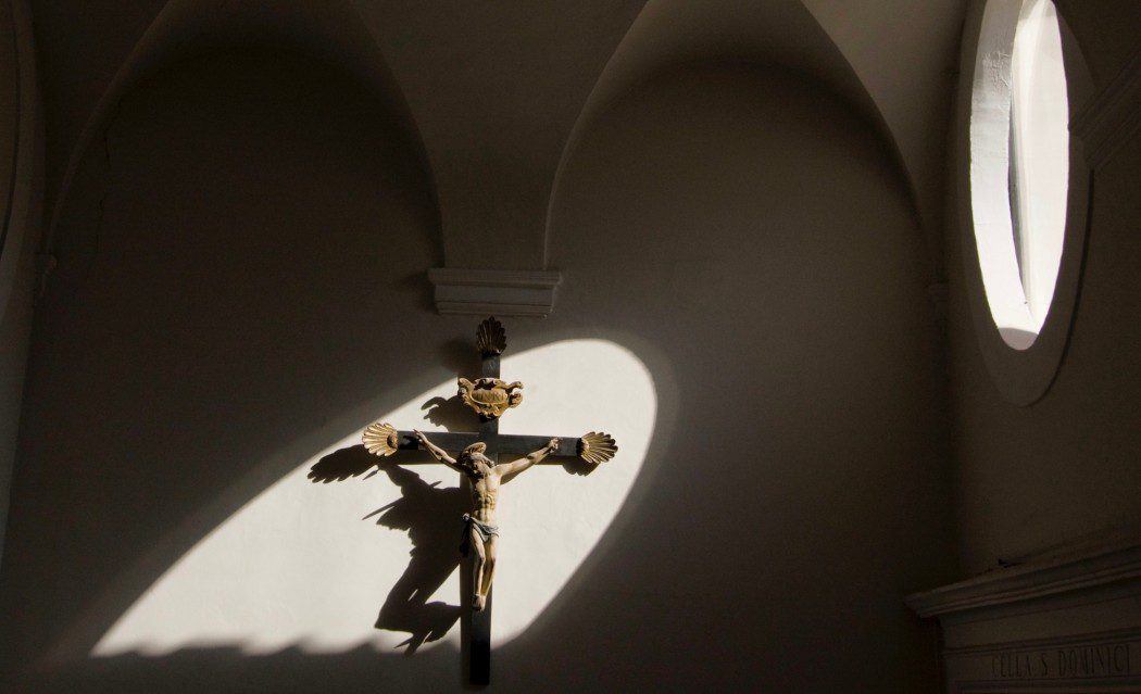 The Way Of The Cross: Meditations For Lent